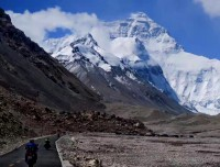 Stunning Everest near from Ronbuk Monastery